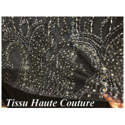 Vidéo De Vente De Tissu Haute Couture Pérlé Sur Résille Noir Pour La Créations De Robes De cocktail, Cérémonies Et Caftans.