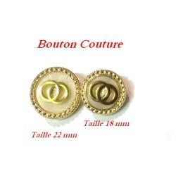 Bouton Doré A Teindre En T.18 mm Et T. 22 mm sur Fond Nacré A Coudre.