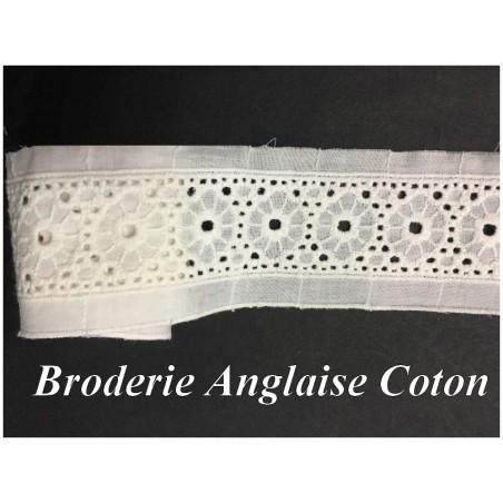 Broderie Anglaise Ivoire En Tissu Coton Au Mètre en 6 Cm Pour Loisirs Créatifs.