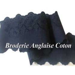 Broderie Anglaise Bleu Marine En 6 Cm Coton Au Mètre A Coudre.