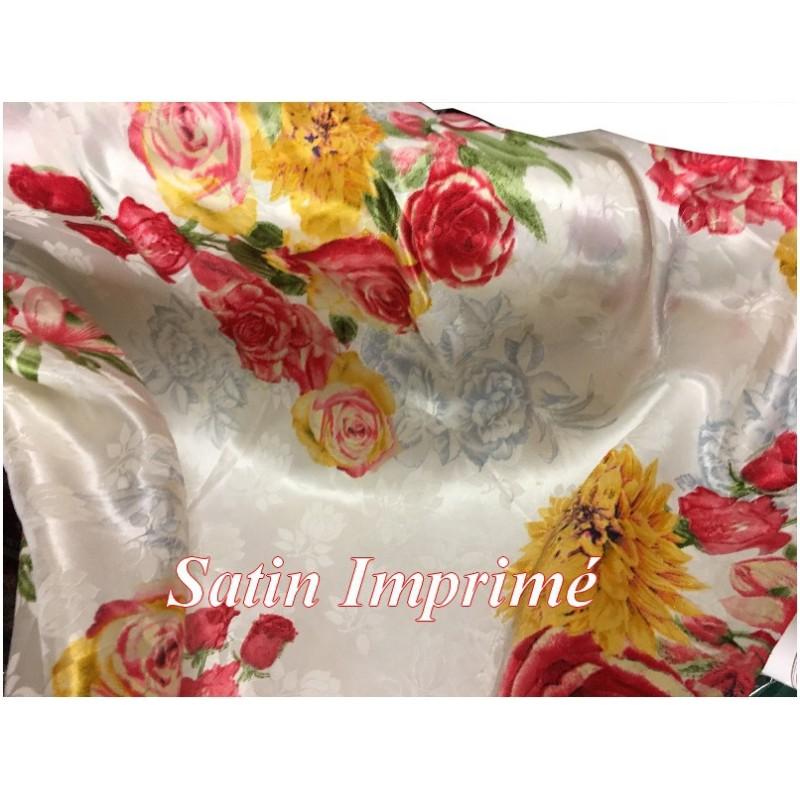 Tissu Satin Imprimé En Motif Fleurs Rouge Pour Fabrication de vetements et customisations.