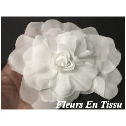 Fleurs En Tissu Blanches A coudre Pour La Décoration Et Customisation