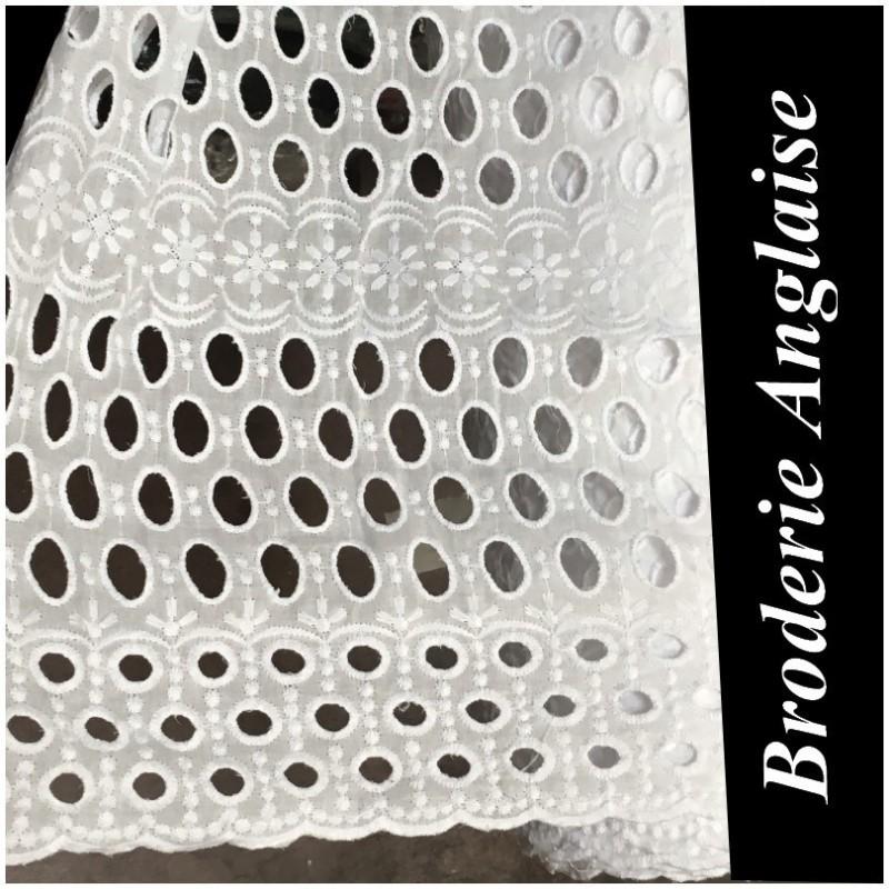 Broderie Anglaise Blanche En Tissu Ajourée En Coton Au Mètre En Grande Largeur