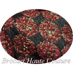 Brocart Couture En Motifs Fleurs FLoqués Couleur Rouge Et Doré Or Pour Robes, Tailleurs Et Caftans.