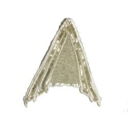 Motif perlé sur satin blanc