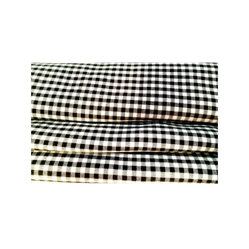 Tissu Petit Carreau Noir Et Blanc Lycra A Coudre Pour Lingerie et Customisations.