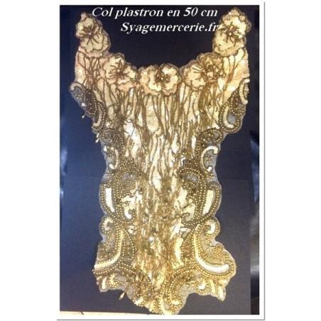 Col plastron à coudre en sequin irisé et perles doré .