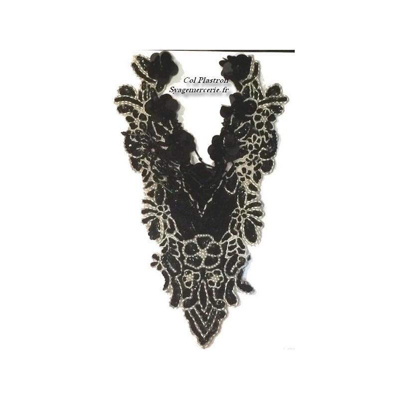 Col plastron à coudre en en sequin noir et perles blanches en frange noir