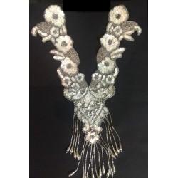 col plastron en 32 cm avec sequin jaune irisé et perle argent en frange