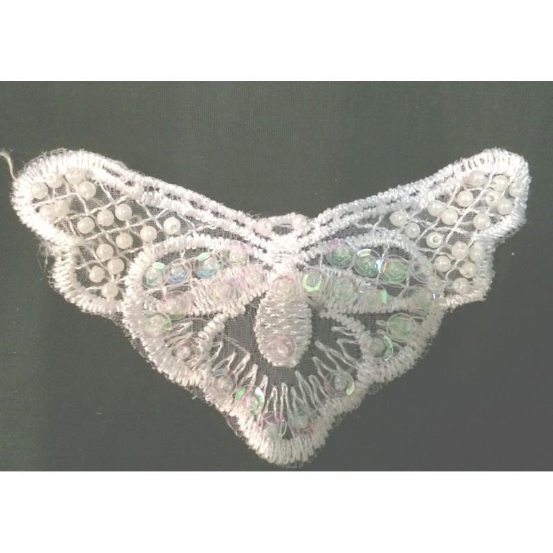 applique guipure en forme de papillon perlé Blanc.