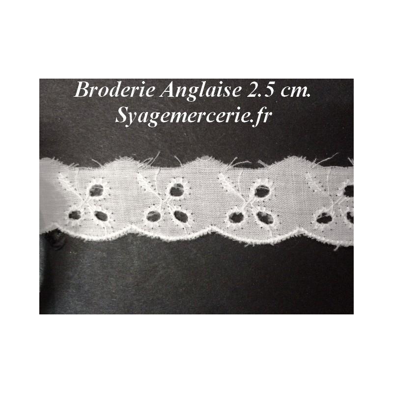 Broderie Anglaise au Mètre Blanche en 2.5 cm