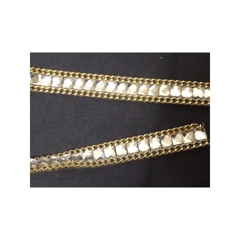 Ruban strass au mètre en 12 mm Blanc avec chaine doré.