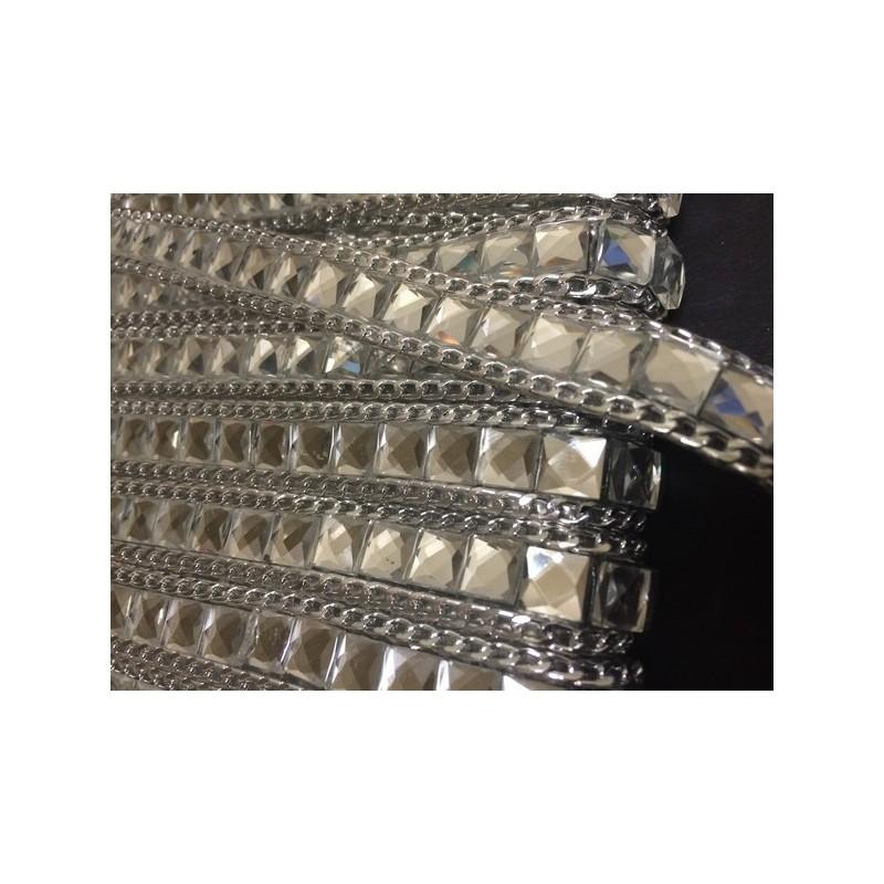 Ruban strass au mètre en 15mm blanc cristal orné de chaine Argent.