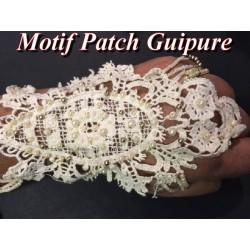 Motif Dentelle Guipure Ecru Avec Chainette en perles Customisations.