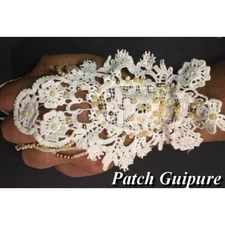Motif Dentelle Guipure Blanche Avec Chainette en perles Customisations.