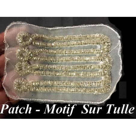 Patch Motif A coudre En Perle Sur tulle blanc