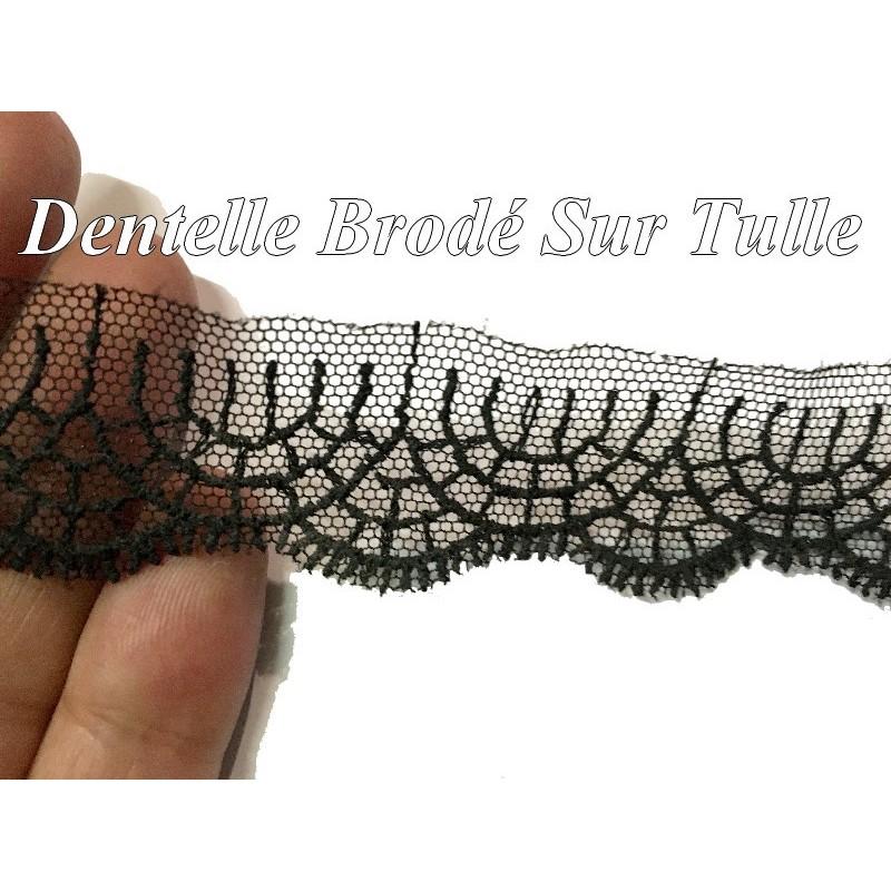 Dentelle Brodé Sur Tulle Résille Noir En 2,5 Cm Pour Lingerie et customisations.