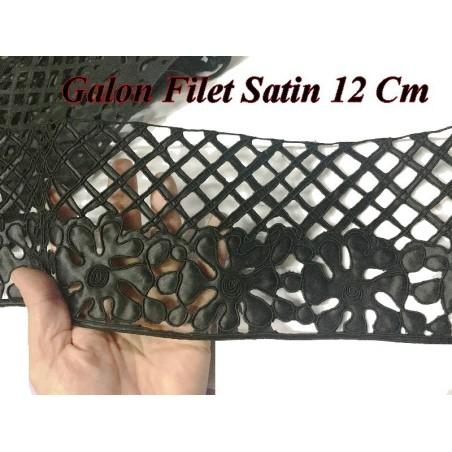 Galon Ruban En Filet Satin En Motif Fleurs Brodées En 12 cm Noir Pour customisations.