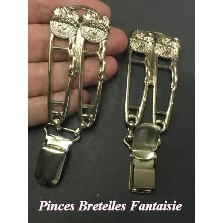 """Pince A Bretelle Fantaise La Paire En Couleur Argent Avec 2 Epingles En motifs Style """" Versace """""""
