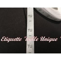 """Etiquette De Vêtements """" Tailles Unique """" x Par 1000 Pièces A Coudre De Composition Textile , Contexture Pour Confection."""