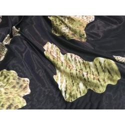 Tissu Satin Imprimé En Couleur Noir avec impréssion De Motifs Léopard