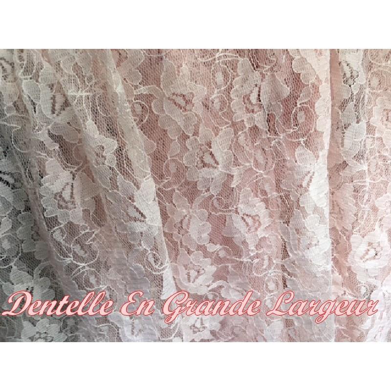 Dentelle Au Mètre En Grande Largeur Couleur Rose Pale Pour Customisations Et Décorations.