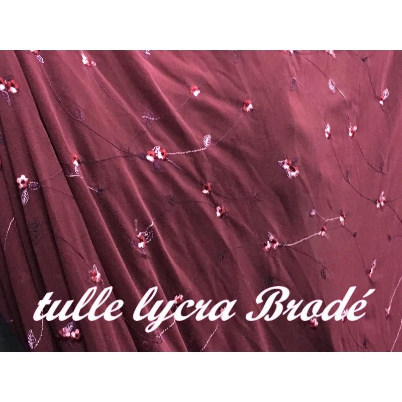 Tissu Résille Lycra Brodé Au Mètre En Motifs Fleurs En Couleur Bordeaux Pour Justaucorps.