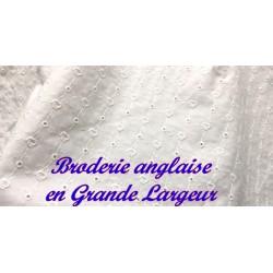 Broderie Anglaise Coton En Tissu Au Mètre En Grande Largeur Blanche