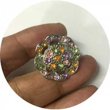 https://www.syagemercerie.fr/7284-thickbox/bouton-strass-a-coudre-en-taille-25-mm-pour-customisations-et-decorations.jpg