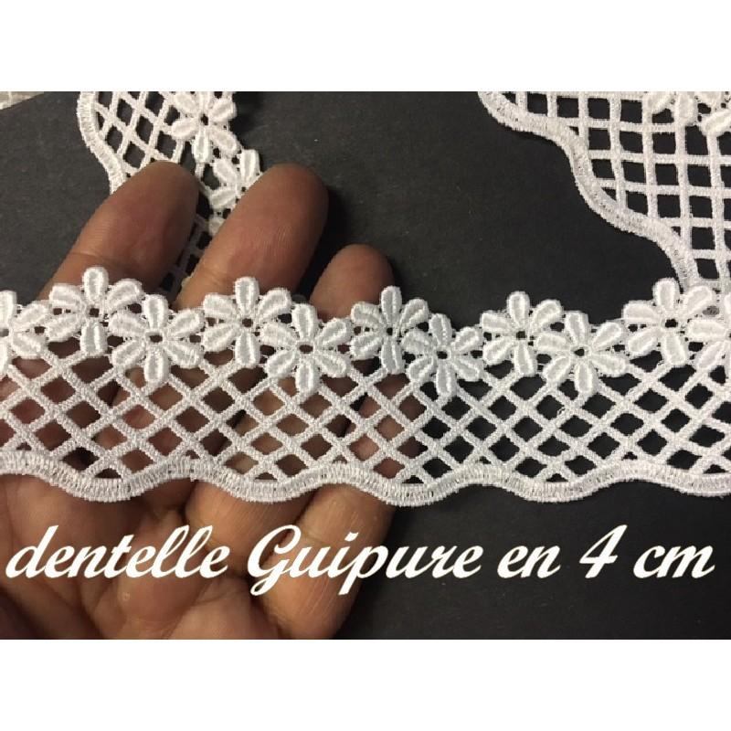 Guipure Marguerite En 4 Cm Blanche, A Coudre Pour Loisirs Créatif Et Customisations.s