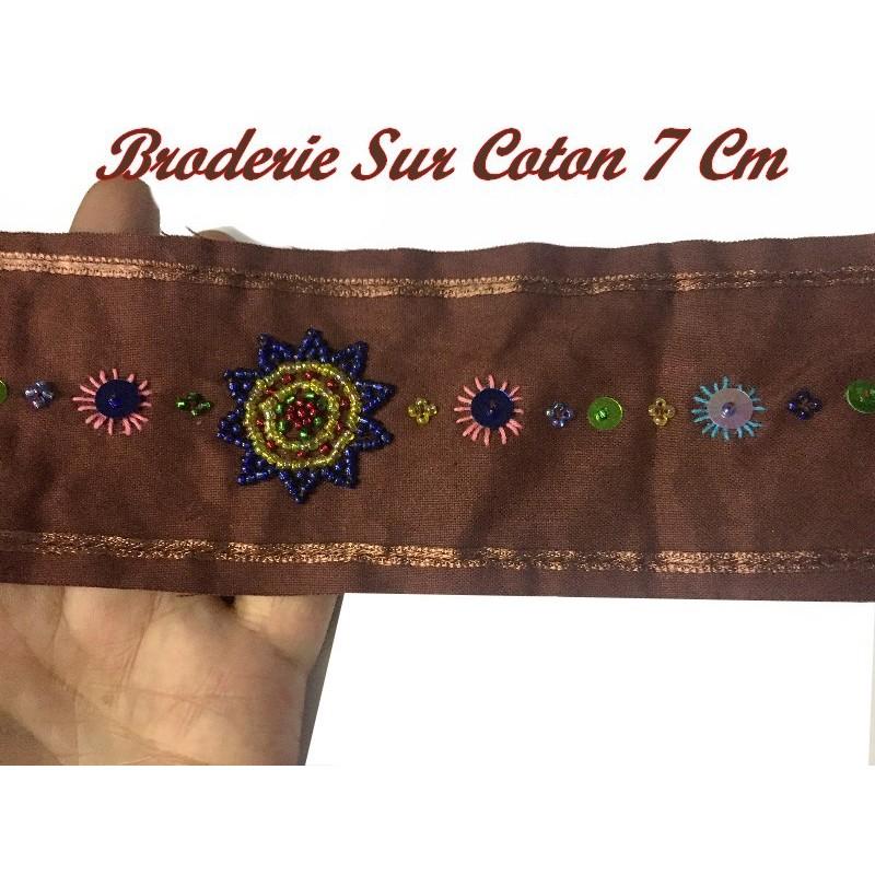 Broderie Perlé Sur Tissu Coton Au Mètre En 7 Cm Couleur Rouille Brique Pour Décorations ET Loisirs Créatifs.