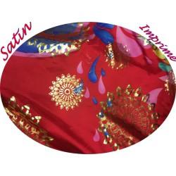 Tissu Satin Imprimé En  Motif Lurex  Or Doré Sur Fond Rouge Pour Fabrication De vetements Et Customisations.