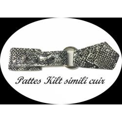 Patte Kilt Attache en Simili Cuir Couleur Noir Et Blanc Façon Corocodile à Coudre Pour Décorations Robes, sacs, Customisations.