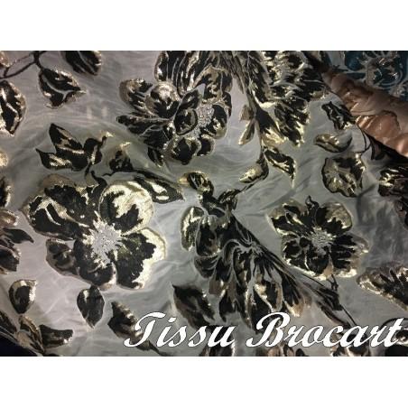 Tissu Brocart Au Mètre De Luxe En Motifs Fleurs Noir  Imprimés Et En Reliefs  Doré Or Pour Robes, Tailleurs Et Caftans.