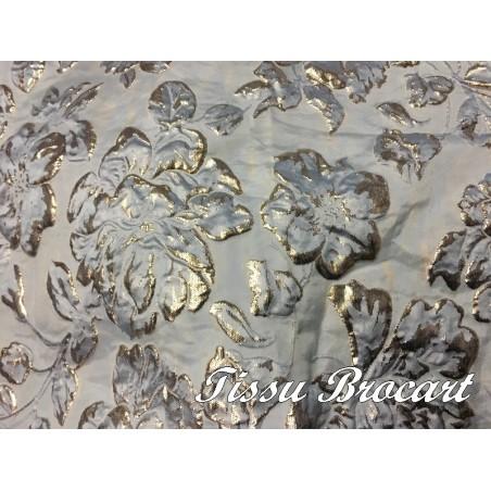Tissu Brocart au Mètre De Luxe En Motifs Fleurs Bleu Ciel Et Doré Or Imprimés Et En Reliefs Pour Robes, Tailleurs Et Caftans