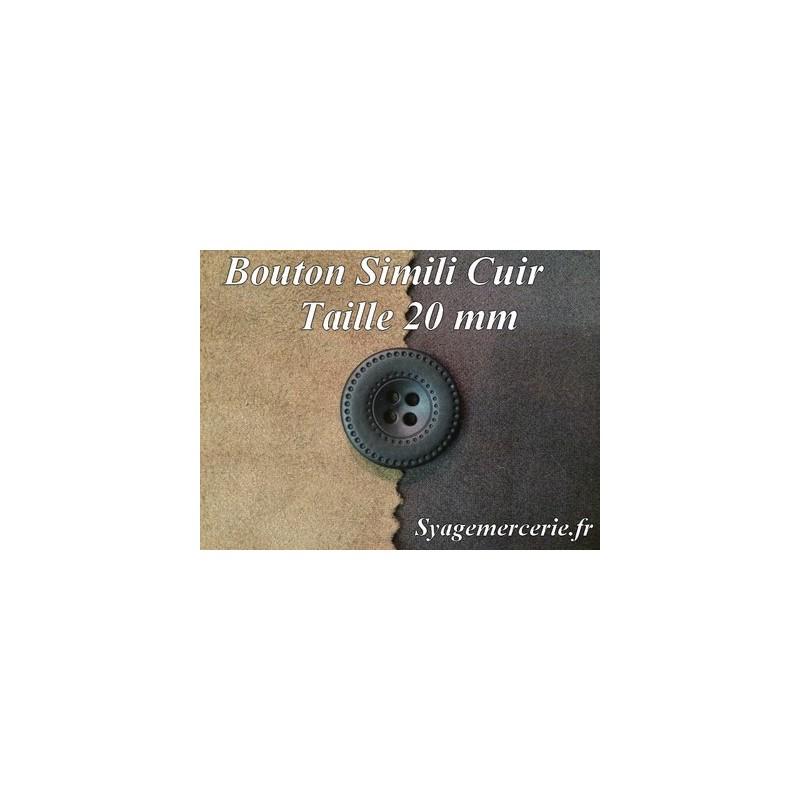 Bouton Cuir Simili 20 mm En 4 Trous Marron-Choco.