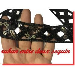 Galon Ruban Sequin Noir En 3 Cm Ajouré En Forme de Losange Pour Décorations et Customisations.