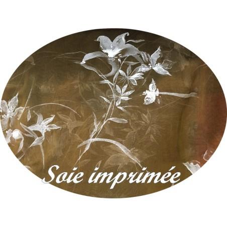 Mousseline de Soie Haute Couture Couleur Caramel Imprimé et Peint En Fleurs Blanches Au Mètre.