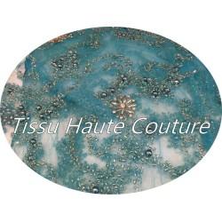 VIDEO - Tissu Haute Couture Pérlé Sur Résille Turquoise Pour Créations De Robes de cocktail, Cérémonies Et Caftans.