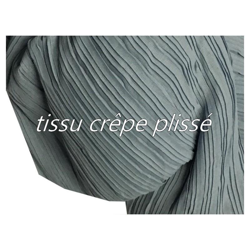 Tissu Plissé En crêpe Bleu Ciel Jeans A Coudre, Pour Chemisers, Jupes, Et Customisations.