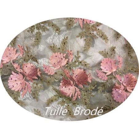 Tissu Brodé Couture Sur Tulle Résille Chair Avec Des Motifs Fleurs Rose et Doré Or.