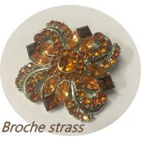 Broche Strass Bijou Pour Robes Dames Orange sur un Support Argent Pour Customisations.