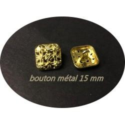 Bouton Doré Couture En Taille 15 mm Carré