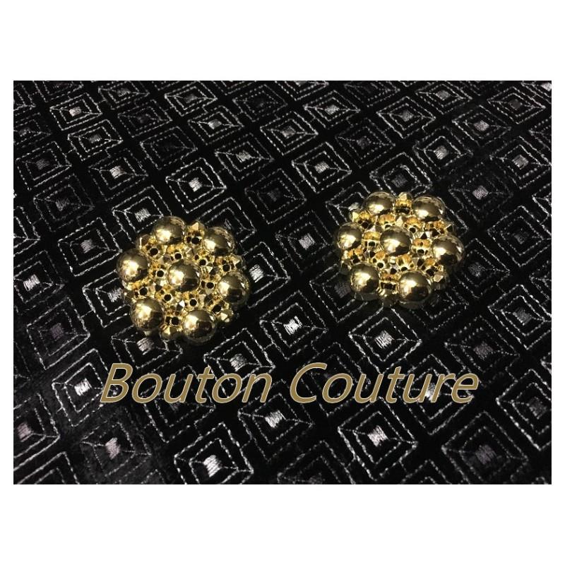 Bouton Doré Couture Fantaisie En Taille 35 mm Pour La Customisations De Vestes Et Manteaux.