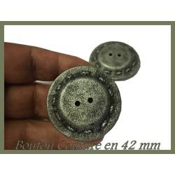 Bouton De Couture Gris Fantaisie En Taille 42 mm Pour Vestes Manteaux et Tailleurs.
