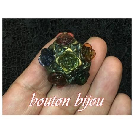 Bouton Bijoux Fleurs Couture Multicolore En Taille 30 mm Pour Customisations et Décorations.